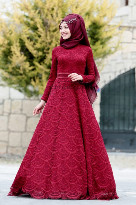 RED COLOR EVENIN DRESS